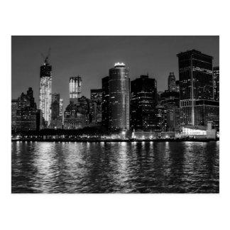 Horizon de New York City la nuit Cartes Postales