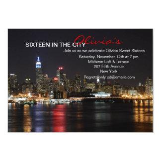 Horizon de New York par l'invitation de nuit
