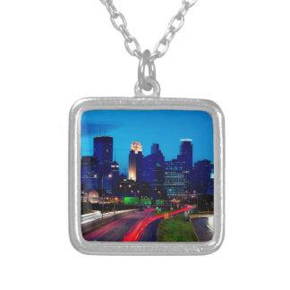 Horizon de nuit de Minneapolis Collier