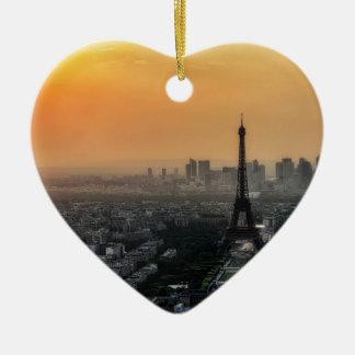 Horizon de Paris pendant le matin Ornement Cœur En Céramique