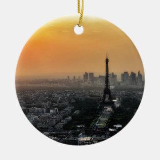Horizon de Paris pendant le matin Ornement Rond En Céramique