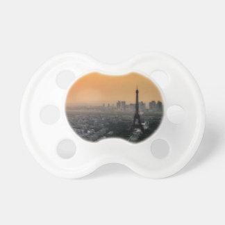 Horizon de Paris pendant le matin Tétine