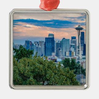 Horizon de Seattle au coucher du soleil Ornement Carré Argenté