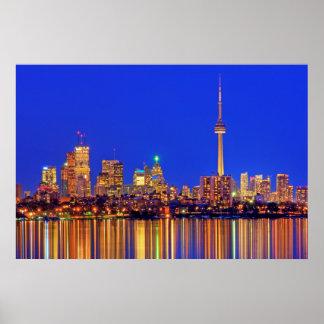 Horizon du centre de Toronto la nuit Poster