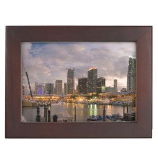 Horizon financier de Miami au crépuscule Boîte À Souvenirs