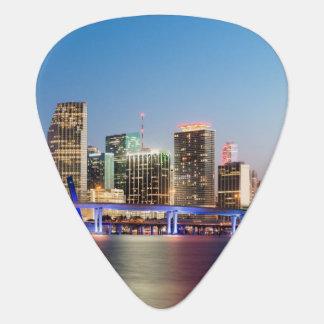 Horizon lumineux de Miami du centre au crépuscule Onglet De Guitare