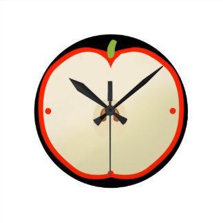 Horloge avec forme de pomme rouge