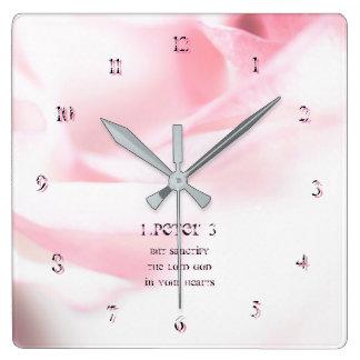 Horloge Carrée 1 chapitre 3 de Peter mais sanctifient le seigneur