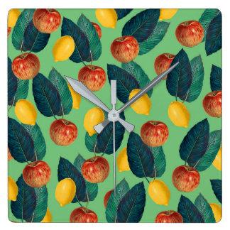 Horloge Carrée aples et vert de citrons