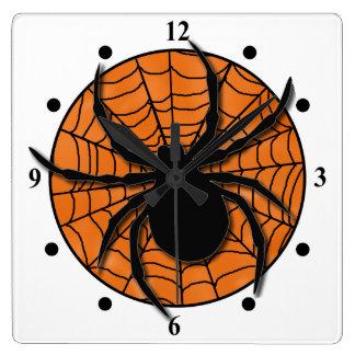 Horloge Carrée Araignée énorme espiègle de toile d'araignée