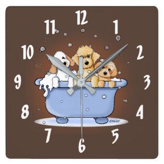 Horloge Carrée Bath Doods de KiniArt