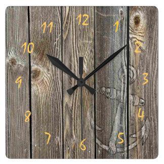 Horloge Carrée Belle ancre rustique sur le regard authentique en