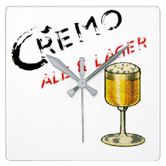 Horloge Carrée Bière de bière anglais de Cremo et blonde