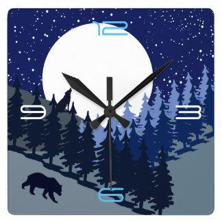Horloge Carrée Bleu frais de pleine lune de paysage de forêt de