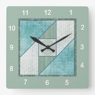 Horloge Carrée Bloc d'édredon de fenêtre de grenier dans le bleu