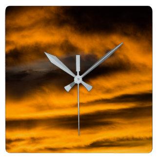 Horloge Carrée burn-out d'aigle