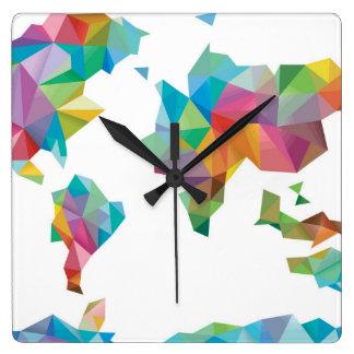 Horloge Carrée Carte du monde faite de formes géométriques