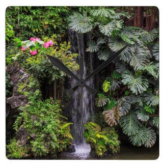 Horloge Carrée Cascade de jardin luxuriant, Chine