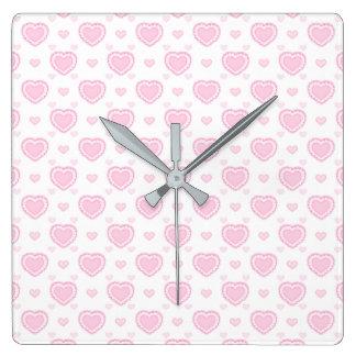 Horloge Carrée Coeurs roses et blancs romantiques