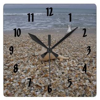 Horloge Carrée Coquillages et mouettes