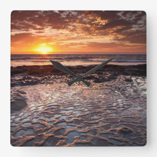 Horloge Carrée Coucher du soleil à la plage, la Californie