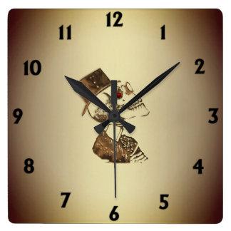 Horloge Carrée Crâne de Steampunk sur des nombres de noir d'or