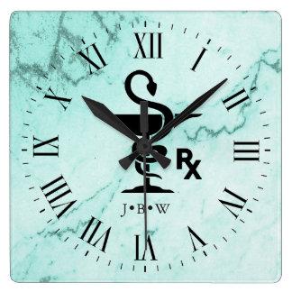 Horloge Carrée Cuvette de marbre fait sur commande d'initiales de
