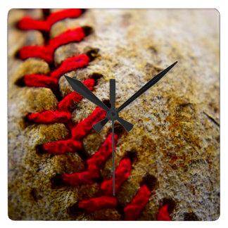 Horloge carrée de dentelle de base-ball