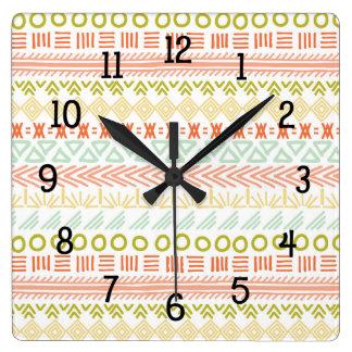 Horloge Carrée Décor tribal à la mode de motif, couleurs neutres