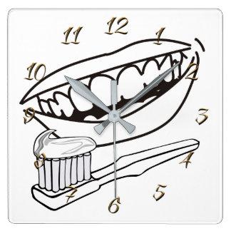 Horloge Carrée Dentiste