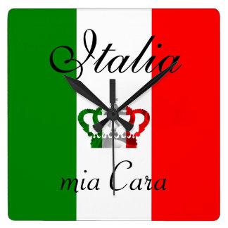 Horloge Carrée Drapeau moderne d'Italien de l'Italie de couronne