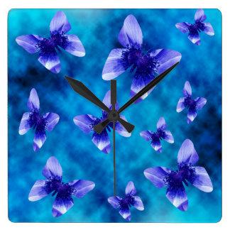 Horloge Carrée Été bleu de papillon, grand Wallclock carré