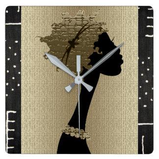 Horloge Carrée Femme africaine