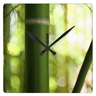 Horloge Carrée Forêt en bambou