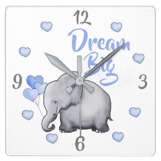 Horloge Carrée Grande crèche de inspiration rêveuse d'éléphant de
