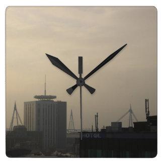 Horloge Carrée Horizon de ville de Cardiff