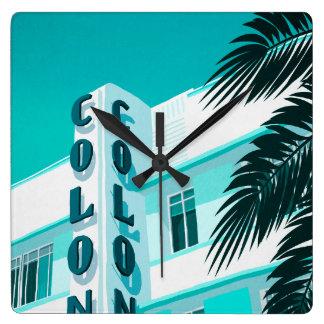 Horloge Carrée Hôtel Miami de colonie