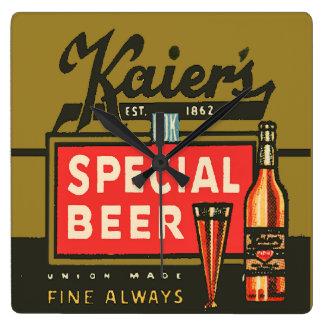 Horloge Carrée La bière spéciale de Kaier