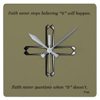 Horloge Carrée La foi ne synchronisent jamais la croix de w/Steel
