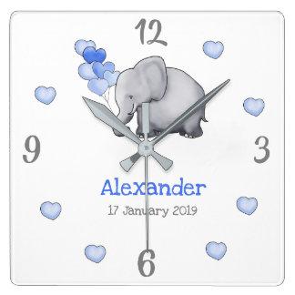 Horloge Carrée Le bébé poétique personnalisé monte en ballon la