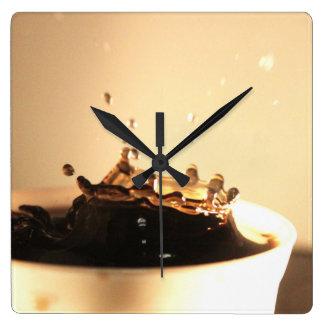 Horloge Carrée Le café éclabousse