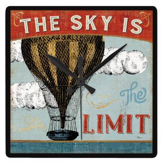 Horloge Carrée Le ciel chaud de ballon à air est la citation de
