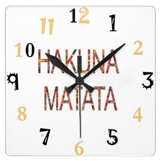 Horloge Carrée Le cru africain colore le cadeau de Hakuna Matata