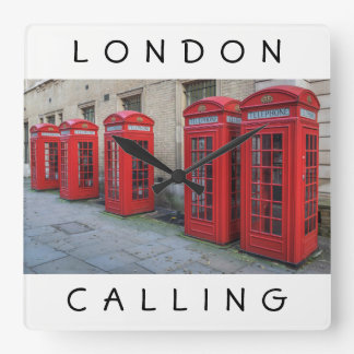 Horloge Carrée Le téléphone rouge de Londres enferme dans une