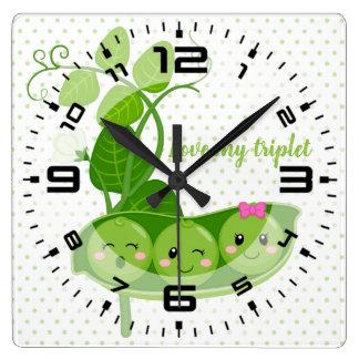 Horloge Carrée Les pois adorables mignons - choisissez la couleur