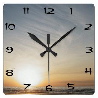 Horloge Carrée Lever de soleil de plage de Galveston pendant le