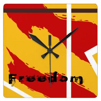 Horloge Carrée Liberté art moderne abstrait jaune et de rouge