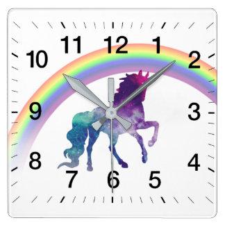 Horloge Carrée Licorne d'aquarelle de l'espace de galaxie et joli