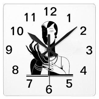Horloge Carrée Madame vintage With Pearls Black Transp d'art déco