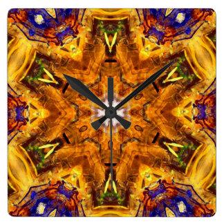 Horloge Carrée Mandala coloré multi d'or